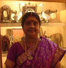220px-Dr._Vijayalakshmi_Navaneethakrishnan_Madurai_2009[1]