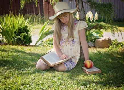 child-girl-read-learn-159543[1].jpeg
